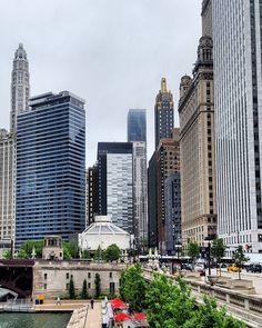 Chicago ist einfach wunderschön - tolle Architektur schöne Gewässer köstliche Restaurants viele grosse Meister & Streetart -- what's not to love about it?!