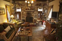 Cabin in the Woods at the Country Woods Inn  #glenrose #glenrosetexas #texasroadtrip #bedandbreakfast #animals #uniqueplacetostay #texas #vacation