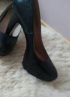 Kup mój przedmiot na #vintedpl http://www.vinted.pl/damskie-obuwie/na-wysokim-obcasie/14370200-eleganckie-czarne-szpilki-na-platformie