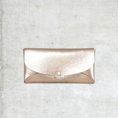 Étui à lunettes en cuir mordoré Créatrice Aurélie Chadaine Concept store Ô Some