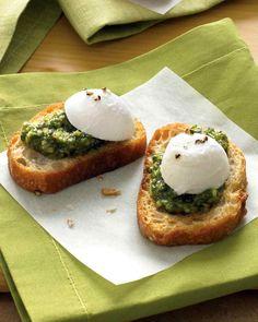 Pesto-Bocconcini Crostini