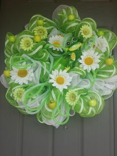 Spring Mint Green Daisy Deco Mesh Wreath