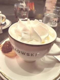 #paszkowski #chocolate #panna #florence #travel #firenze Florence, Mascara, Cupcake, Pudding, Chocolate, Lifestyle, Desserts, Travel, Food