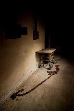 History Photos Creepy Insane Asylum Ideas For 2019 Haunted Asylums, Abandoned Asylums, Abandoned Buildings, Abandoned Places, Derelict Places, Haunted Houses, Mental Asylum, Insane Asylum, Scary Places