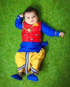 Trendy baby names boy traditional children 32 Ideas Baby Boy Fashion Clothes, Kids Fashion Boy, Baby Boy Outfits, Kids Outfits, Family Outfits, Mom And Baby Dresses, Baby Boy Dress, Kids Dress Wear, Kids Wear