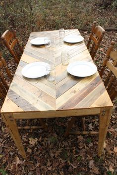 Chevron Style Reclaimed Pallet Wood Table and by LBHcozycreation