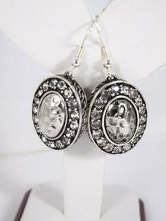 FB57C - Vintage Rhinestone Earrings - Silver Tone