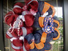 Cute House divided Football Mesh Wreath - Adventures in Decorating House Divided Football, House Divided Wreath, Georgia Wreaths, Auburn Wreath, Home Crafts, Diy Crafts, Football Crafts, Wreath Crafts, Wreath Ideas