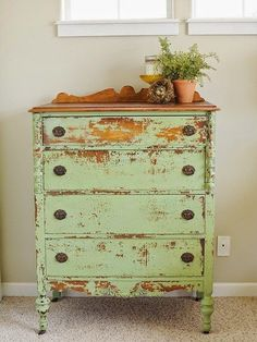 Awesome Distressed Furniture Ideas New Simple DIY Furniture Makeover and Transformation Repurposed Furniture, Shabby Chic Furniture, Shabby Chic Decor, Rustic Furniture, Vintage Furniture, Diy Furniture, Furniture Stores, Modern Furniture, Refurbished Furniture