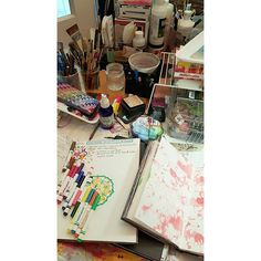 My working place is a mess. But I like it. :) #journaling #artjournal #100dayproject