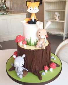 """The Cake Parlour A sneak peak at our new collection of Kids Cakes! Starting with our adorable Woodland Animals ❤️️"""" animal cake. Deco Cupcake, Cupcake Tree, Cupcake Cakes, Woodland Party, Woodland Cake, Woodland Theme, Fox Cake, Fondant Animals, Forest Cake"""