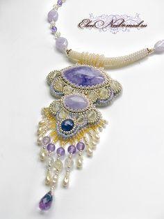 Elen Noel - She does beautiful bead work!
