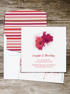 Koyu kırmızıdan nar çiçeğine, farklı kırmızı tonlarıyla tasarlanmış bu modern düğün davetiyesi, sanattan hoşlanan çiftler için mükemmel bir seçenek. Bu modern düğün davetiyesini seçtiğiniz taktirde, düğün konseptinizde de benzer renkler ve çiçekler kullanarak düğün temanızı genişletebilirsiniz.