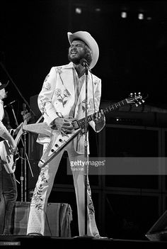 Billy Gibbons of ZZ Top Guitar Guy, Cool Guitar, Guitar Players, Rock Posters, Concert Posters, Billy Gibbons Guitar, Arena Rock, Beard Boy, Zz Top