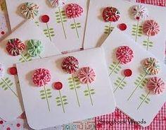 yo-yo and button cards Cute Cards, Diy Cards, Fabric Cards, Ribbon Cards, Button Cards, Flower Cards, Homemade Cards, Fabric Flowers, Cardmaking