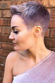 21 Short Hair Cuts Are Made For Self-Made Modern Women Short Pixie Haircuts Super Short Pixie, Very Short Hair, Short Hair Cuts For Women, Short Hair Styles, Short Hair Shaved Sides, Short Pixie Haircuts, Pixie Hairstyles, Summer Hairstyles, Ladies Hairstyles