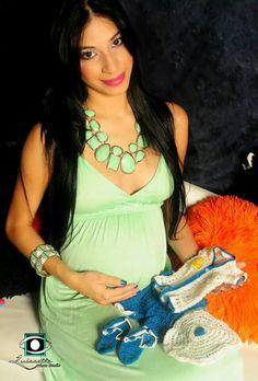 Buscamos en facebook Luissette photo studio para tu sección de fotos de maternidad.
