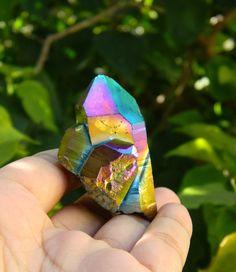 Rainbow Quartz Point, Flame Aura quartz, Blue Titanium Quartz, Aura Quartz Cluster, Healing Stones, Minerals, Meditation, Yoga, Reiki