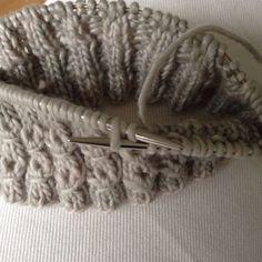 Diy Crochet And Knitting, Knitting Stitches, Knitting Patterns, Different Stitches, Wool Socks, Marimekko, Merino Wool Blanket, Needlework, Handmade