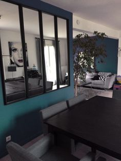 - Mirror Designs - Une verrière miroir avec Ikea Here is a mirror canopy that I realized thanks to 4 mirrors NISSEDAL. Home Staging, Ikea Nissedal, Diy Interior, Interior Design, Ikea Makeover, Ikea Mirror, Mirrors, Traditional Decor, Bedroom Decor