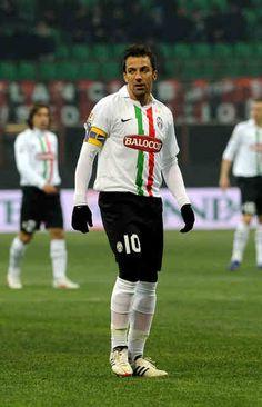 Alessandro #DelPiero su #Twitter: una frase di Ligabue per salutare Piermario #Morosini #calcio #sport #juventus