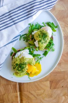 Healthy Eggs Benedict With Avocado Hollandaise