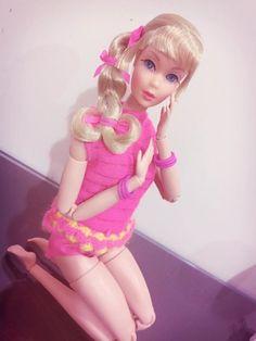 Muñeca Barbie propiedad de Loui Phillip Hernández, vintage en cuerpo pivotal.