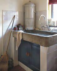 Wasbakken, kranen, keuken materialen als witjes, eiken en plavuizen | 't Achterhuis Historische Bouwmaterialen BV