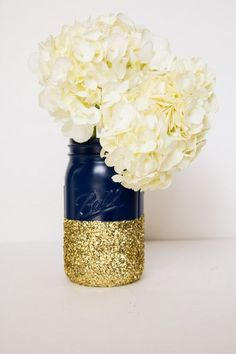 navy and gold glitter quart mason jar / http://www.himisspuff.com/navy-blue-and-gold-wedding-ideas/5/