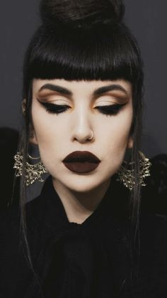 Jan 2020 - 〰 Add luxurious detail to any look with our Elaria Filigree Inca Earrings, seen here on regal Fringe Haircut, Fringe Hairstyles, Goth Hairstyles, Gothic Makeup, Dark Makeup, Bangs And Glasses, Betty Bangs, Beauty Makeup, Eye Makeup