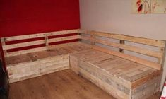 DIY Pallet Sectional Sofa with Storage