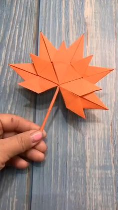 Origami. Orange paper maple leaves.  ONEMIX Paper Flowers Craft, Paper Crafts Origami, Paper Crafts For Kids, Diy For Kids, Diy Paper, Paper Oragami, Diy Crafts Hacks, Diy Crafts For Gifts, Fun Crafts