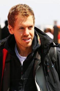Sebastian Vettel (GER) Red Bull Racing.  Formula One World Championship, Rd 4, Turkish Grand Prix, Race Day, Istanbul Park, Turkey, Sunday, 8 May 2011