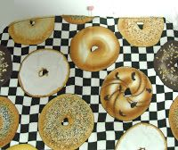 Sid's In Stitches: Easy Placemats for a Round Table Free Pattern Homer Decor, Placemats For Round Table, Missouri Star Quilt, Table Runners, Free Pattern, Arts And Crafts, Things To Come, Place Mats, Quilts