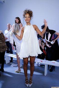Rihanna Photos - Singer Rhianna attends the Adam Selman - Presentation - Mercedes-Benz Fashion Week Spring 2015 at Algus Greenspon Gallery on September 2014 in New York City. Mode Rihanna, Rihanna Style, Looks Hippie, New Yorker Mode, Spring 2015 Fashion, Spring 2014, Little White Dresses, Celebs, Celebrities