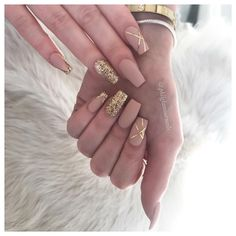 and forvthe singer . Chec kher out for her new album coming soon . Prom Nails, Bling Nails, Gold Nails, Nude Nails, Matte Nails, Gold Nail Art, Cute Acrylic Nails, Acrylic Nail Designs, Nail Art Designs
