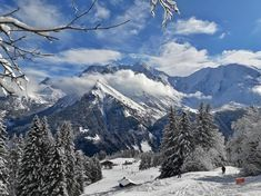 LinkedIn Mount Everest, Skiing, Mountains, Nature, Travel, Ski, Naturaleza, Viajes, Destinations