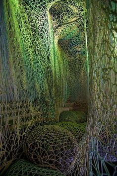 Knitted sculpture - Nike Flyknit Collective installation by Ernesto Neto Land Art, Light Art, Art Actuel, Instalation Art, Creation Art, Interactive Art, Art Textile, Crochet Art, Art Plastique