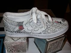 Zentangle: May 2011 Tangle Doodle, Doodles Zentangles, Zen Doodle, Zentangle Patterns, Doodle Shoes, Sharpie Shoes, Custom Shoes, Make And Sell, Refashion