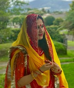 Shivani Rathore 💫 Rajasthani Bride, Rajasthani Dress, Royal Fashion, Cute Fashion, Indian Fashion, Embroidery On Kurtis, Kurti Embroidery Design, Royal Dresses, Indian Dresses