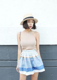 Today's Hot Pick :大きめアームホールハイネックトップス【DARK VICTORY】 http://fashionstylep.com/P0000WZK/khyelyun/out ストレッチ性に優れ素材を使用して動きやすいのが魅力のトップスです。 絶妙なつまり感がいいハイネックタイプで、大きめに開いたアームホールがすっきりした印象をメイク♪ ノースリーブなのでインナー使いもOKで、コンパクトなのでもちろん一枚でもセクシーに着こなせる便利なアイテム。 しっとりした肌あたりがナチュラルな点も魅力です♪♪ 身長によって着丈感が異なりますので下記の詳細サイズを参考にしてください。 ◆色:ホワイト/ベージュ/ブルー/ブラック