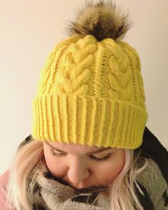 Ravelry: Hello Yellow pattern by Heidi Vaherla Knitting Charts, Free Knitting, Baby Knitting, Crochet Beanie, Knitted Hats, Knit Crochet, Yarn Thread, Yellow Pattern, Girl With Hat