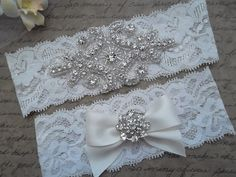 Hey, I found this really awesome Etsy listing at https://www.etsy.com/es/listing/153429307/olivia-style-a-vintage-inspired-wedding
