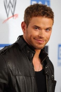 "Kellan Lutz (""Twilight"")"