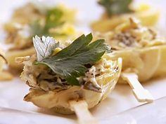 Mini Grilled Artichoke Hearts with Low Fat Spinach and Artichoke Dip recipe from Private Chefs of Beverly Hills via Food Network Grilled Artichoke, Artichoke Recipes, Artichoke Dip, Artichoke Hearts, Onion Recipes, Dip Recipes, Appetizer Recipes, Real Food Recipes, Healthy Recipes