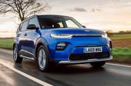 Kia Soul Ev 2020 Uk Review Appealingly Quirky Electric Crossover Touches Down In The Uk With A 64kwh Battery And A 280 Mile In 2020 With Images Kia Soul Kia Electric Crossover