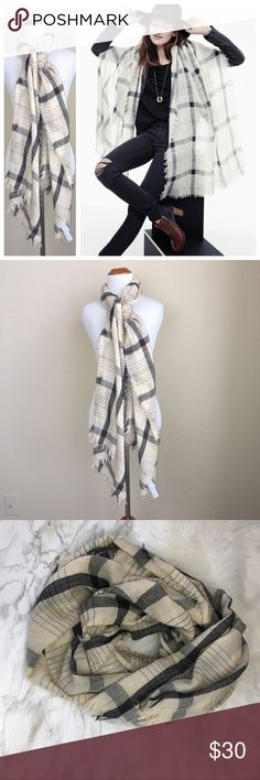 "Madewell stormweave 99% Wool scarf  In excellent condition, used once, perfect for spring  Soft and lightweight in a subtle wear-anywhere plaid.   99% Wool 75""L x 22""W. Smoke Free Home  Madewell Accessories Scarves & Wraps"