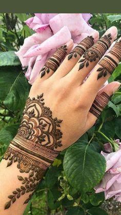 Henna Hand Designs, Mehndi Designs Finger, Pretty Henna Designs, Modern Henna Designs, Beautiful Mehndi Design, Dulhan Mehndi Designs, Mehandi Designs, Arabic Mehndi Designs, Latest Mehndi Designs