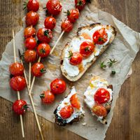 "Grilled Tomato ""Lollipop"" Toasts & our Favorite Cherry Tomato Varieties"