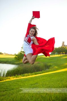 Senior Portrait / Photo / Picture Idea - Cheer / Cheerleader / Cheerleading - Cap & Gown